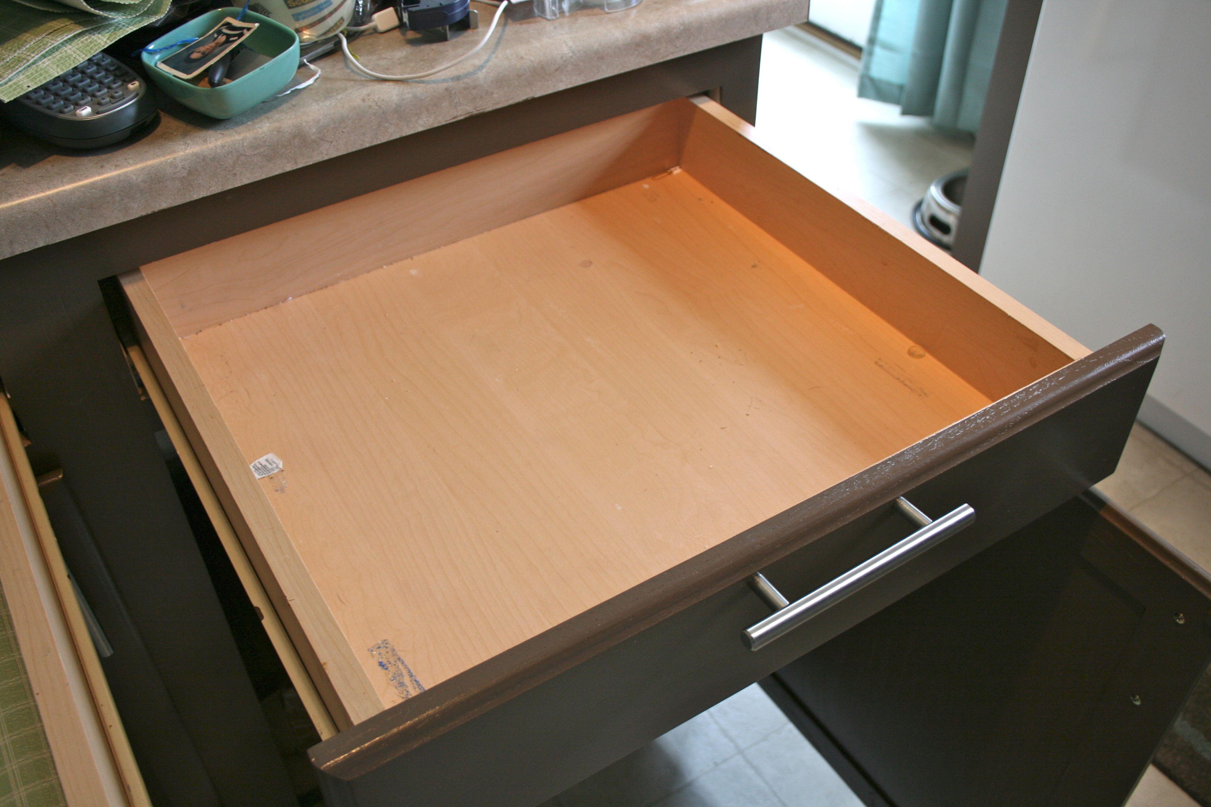 Kitchen drawer reorganization Dream Green DIY